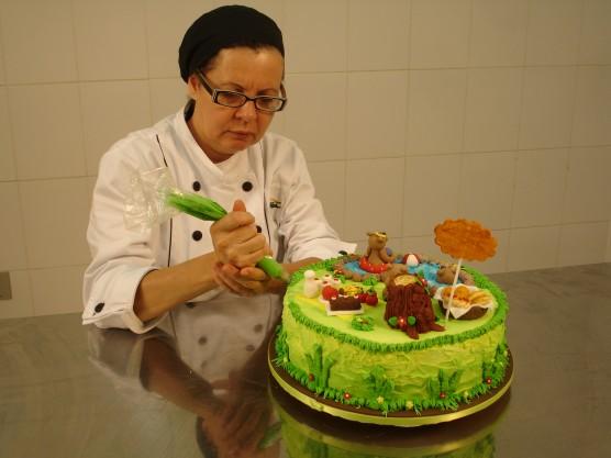 Aprender a decorar bolos