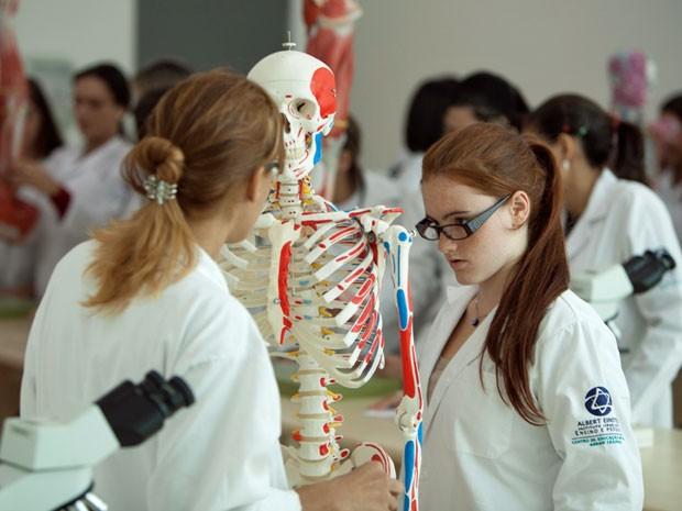 Cursos de Medicina com FIES: Onde encontrar