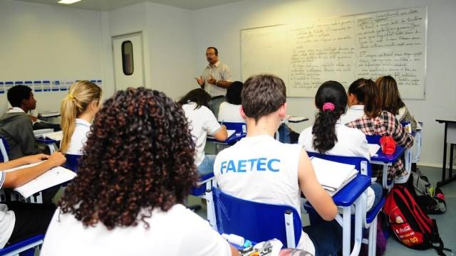 Faculdade gratuita FAETEC