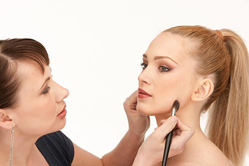 Cursos Gratuitos de Maquiagem