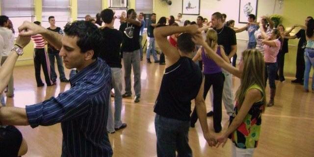 curso-gratuito-de-samba