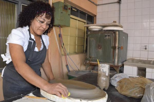 Onde encontrar cursos gratuitos de cerâmica: Inscrições